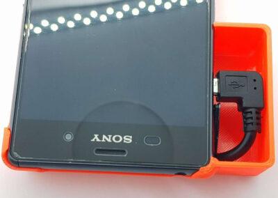 Obudowa telefonu Sony Xperia Z3 Nightscout podłączony telefon