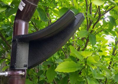 wieszak / hak, mocowany do rynny o średnicy zewnętrznej 55mm